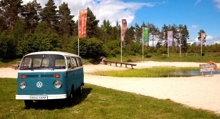 Ab Juli 2014 dienen sieben original VW T2 Kleinbusse als Übernachtungsmöglichkeit im Bully Camp des Heide Parks. Volkswagen hat das Camp, als weltweit erstes, offiziell lizenziert.