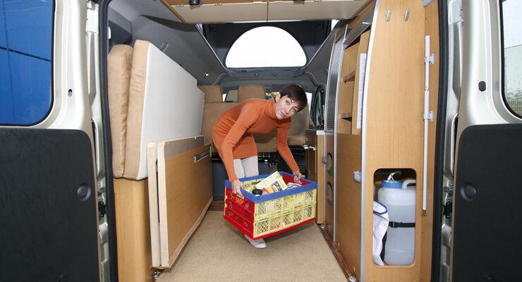 Die GTÜ Gesellschaft für Technische Überwachung gibt Tipps zur Beladung und sicheren Fahrt in die Ferien mit dem Wohnmobil. Wer das Fahrzeug nicht richtig ladet, kann sich schnell in Gefahr bringen.