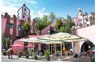 Die Grüne Zitadelle in Magdeburg ist das letzte Projekt des Künstlers Friedensreich Hundertwasser.