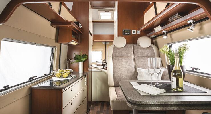 Die neuen Baureihen Primeur und Superieur punkten mit umfangreicher Serienausstattung und hohem Individualisierungsgrad.
