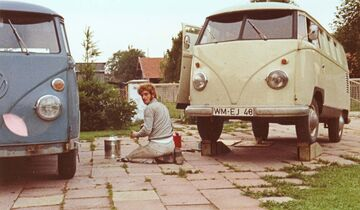 Ende der 1960er Jahre wurde der erste Bulli ausgebaut.