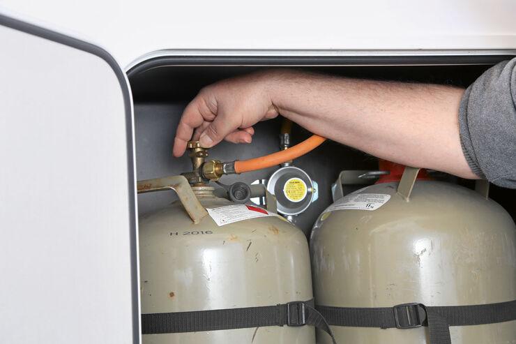 Kühlschrank Motor Aufbau : Dürfen kühlschrank und heizung auf der fahrt laufen promobil