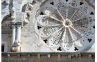 Hauptfassade der Kathedrale von Troia.