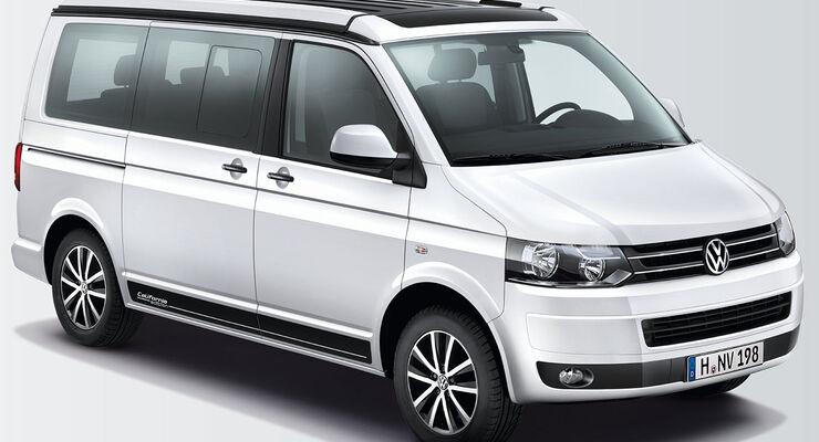"""Im Fokus des Messestands von Volkswagen Nutzfahrzeuge steht in Düsseldorf der California """"Edition""""."""