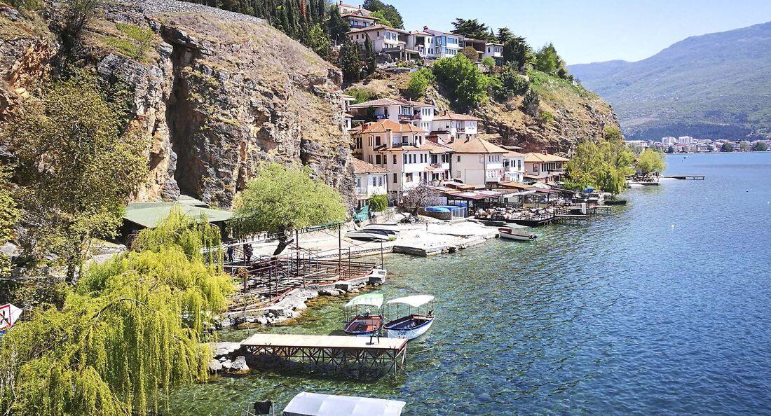 In Dalmatien endet für viele die Reise-Welt. Landschaftliche, kulturelle und klimatische Reize locken indes weiter nach Albanien, Mazedonien und Griechenland.