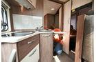 Küche als Raumteiler im Bürstner Nexxo