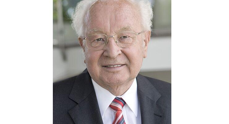 Kurt Kober, früherer Vorstandsvorsitzender und derzeitiges Alko-Aufsichtsratsmitglied, feierte seinen 75. Geburtstag
