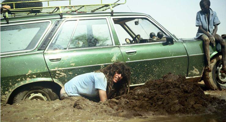 Michael Martin und sein Peugeot 504 im Jahr 1986 in der Sahelzone