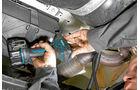 Praxis: Zusatzluftfederung, Batteriekasten