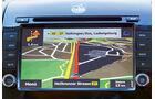 Route und die Navigationsanweisungen sind gut erkennbar.