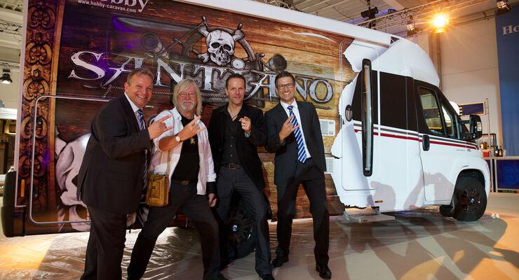 Santiano, die momentan wohl erfolgreichste Band Deutschlands geht mit Hobby-Reisemobilen auf Sommertour. Die Musiker erhalten zwei Wohnmobile der Baureihe Siesta zum Entspannen hinter der Bühne.