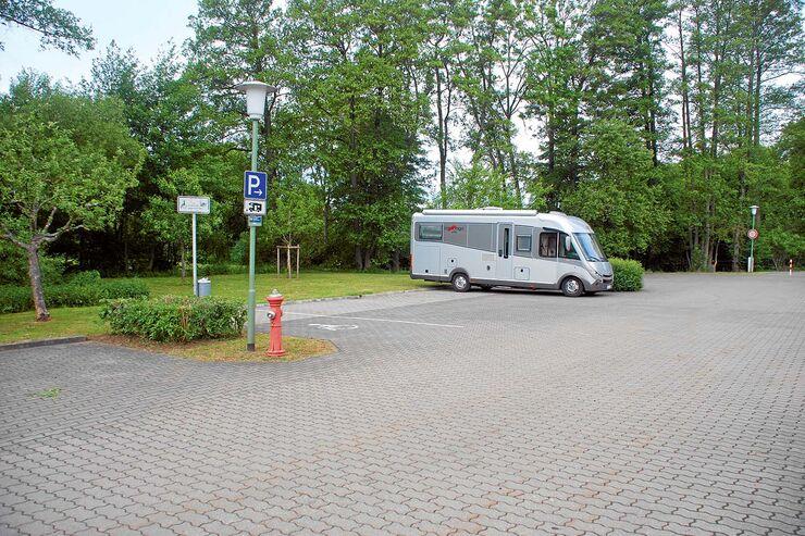 stellplatz tipp in bayern in memmelsdorf auf dem parkplatz promobil. Black Bedroom Furniture Sets. Home Design Ideas