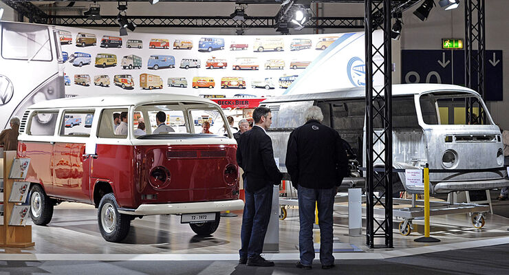 Volkswagen Nutzfahrzeuge Oldtimer zeigt auf der Techno Classica eine Bulli-Restaurierung live vor Publikum