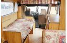 umgebaute Sitzgruppe im Reisemobil